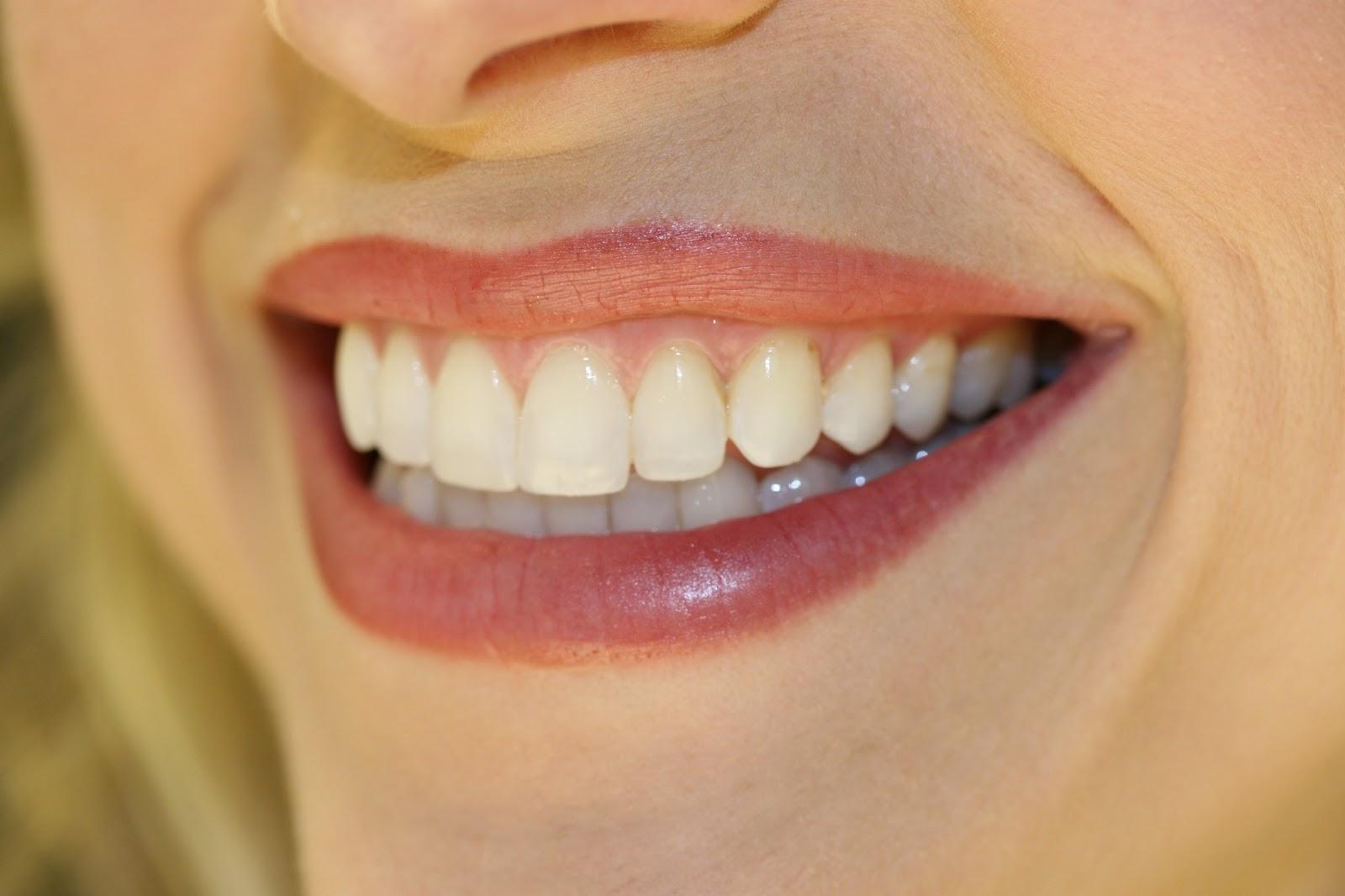 Αισθητική οδοντιατρική και ωραίο χαμόγελο
