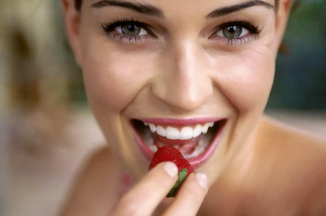 Πώς να αποκτήσετε λαμπερό χαμόγελο